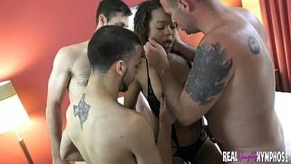 content/20170801_my_sandysfirstgangbang/1.jpg